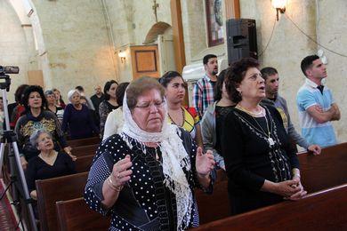 خدمة الأحد مع ضيوف شرف 2014