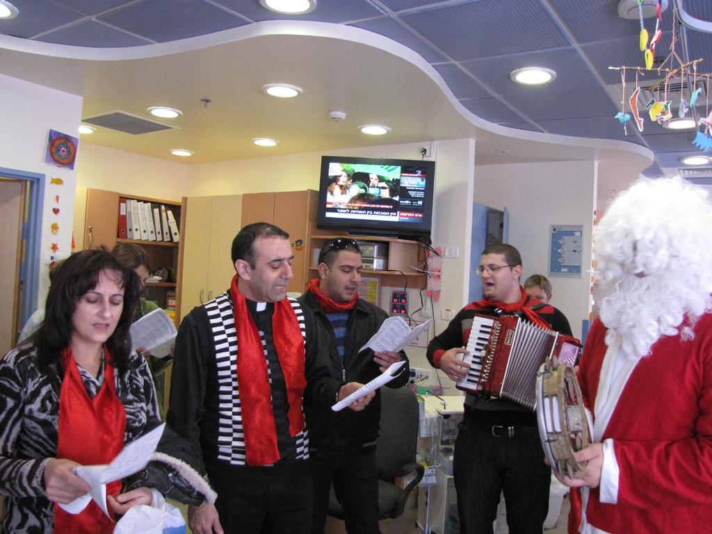 دورة الميلاد 2012-مؤسسات