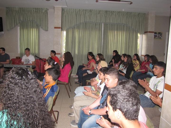 لقاء فصحي للشبيبه الاعدادي 2012