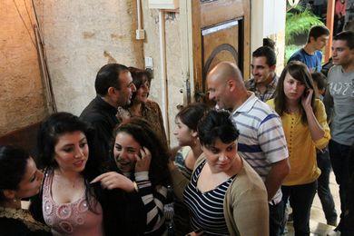فريق اجانب يزور الكنيسة 2013