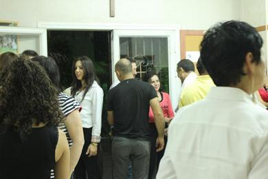 خدمة الأزواج الشابة مع مجموعة Lions Gate